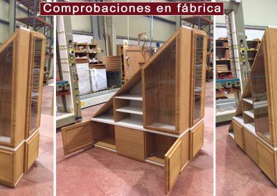 bajo escalera_en_fábrica
